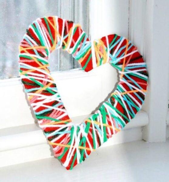 сердце из ниток и картона