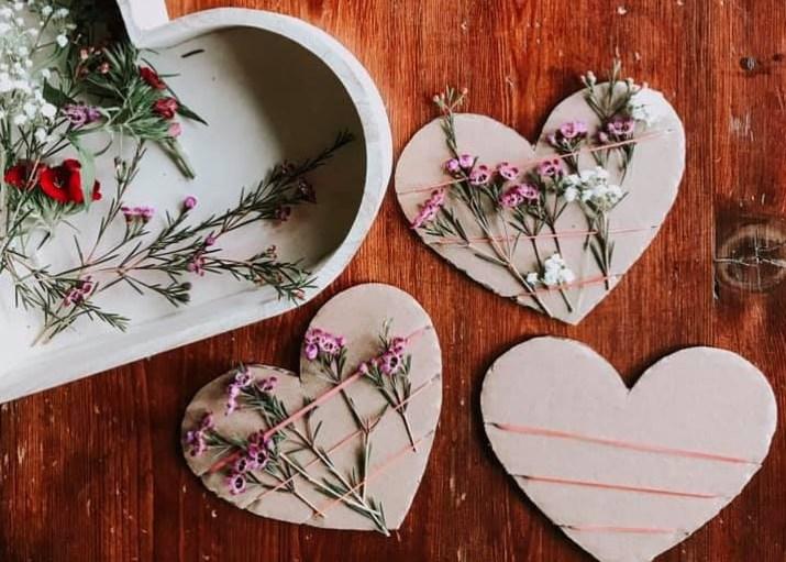 сердечки из картона для мамы на 8 марта